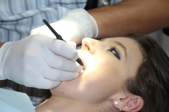 Wpływ palenia na zęby