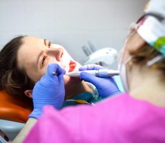 Wizyta u dentysty - o czym należy pamiętać?